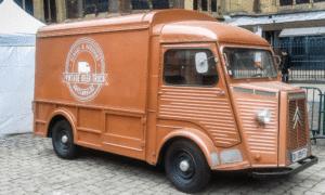 Le Vintage Beer Truck lors des fêtes de la Mirabelle 2016