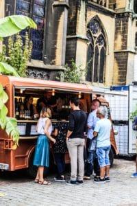Le Vintage Beer Truck sur la place d'Armes de Metz - Constellations